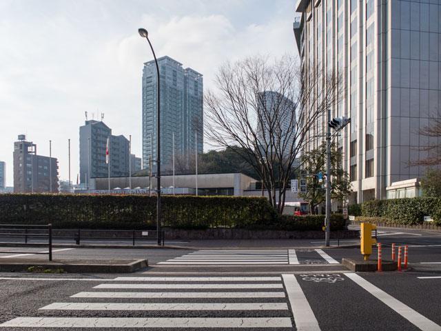 雨の日に利用するべき都ホテル東京まで交通手段