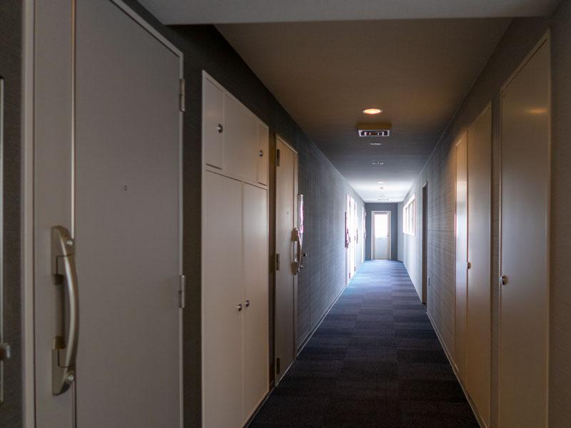 高輪デュープレックスC'sの廊下